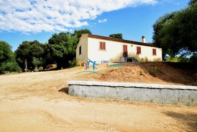 Attractive 260 M2 Country Home for Sale in Crisciuleddu Near Porto Cervo, North East Sardinia
