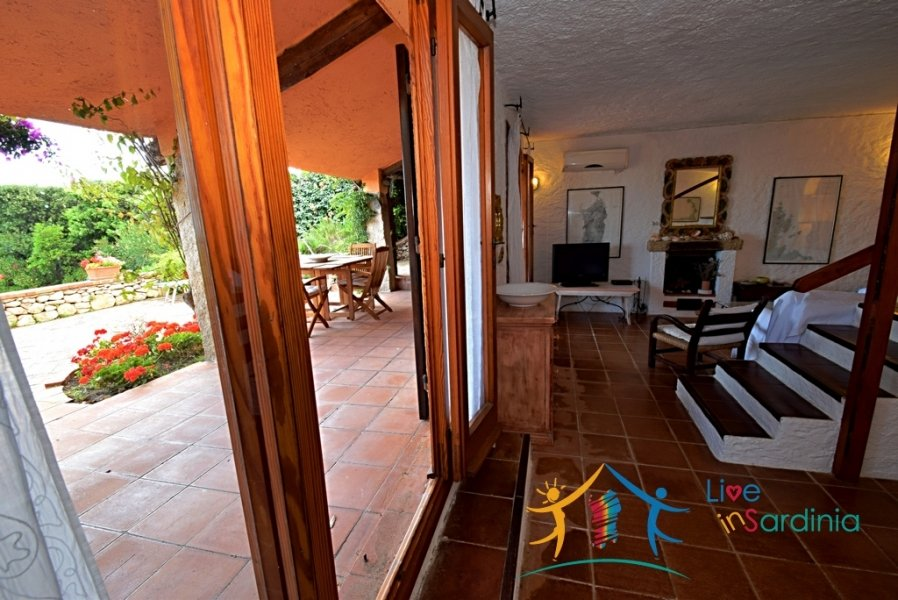 CHARMING VILLA WITH SEA VIEW FOR SALE IN SAN PANTALEO, NORTH EAST SARDINIA