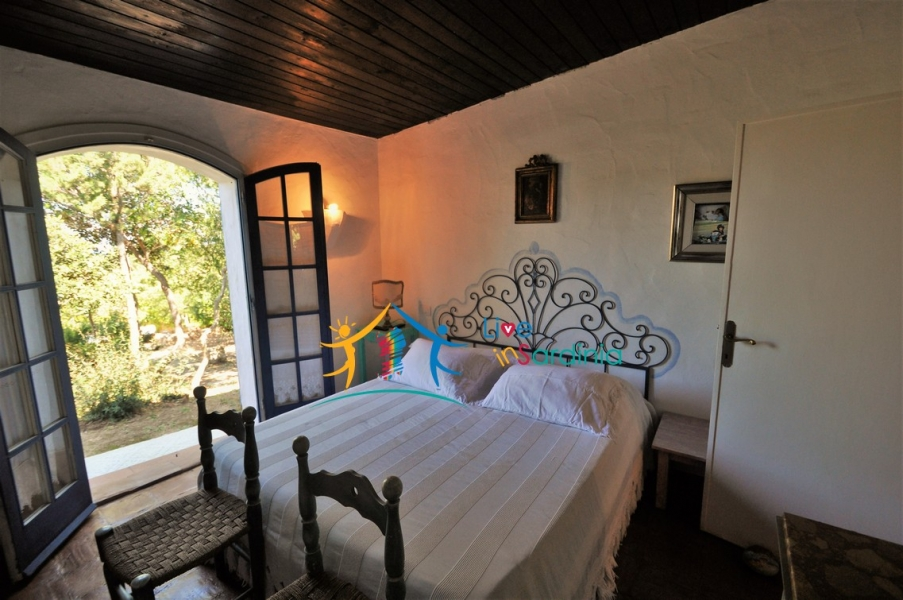 Gracious Villa With Sea Views for Sale in Liscia Di Vacca