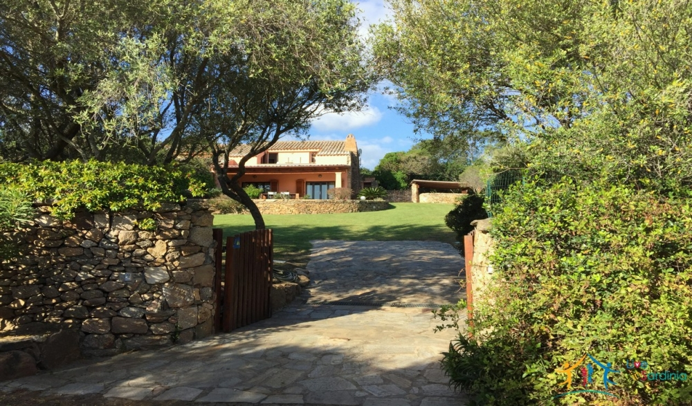 Renovated Villa for Sale San Pantaleo North East Sardinia