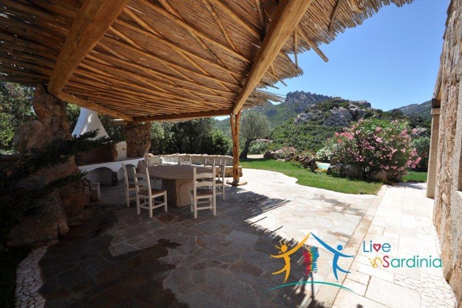 Glorious Villa Set on a 1,0 Ha Park near the Exclusive Emerald Coast €1,100,000
