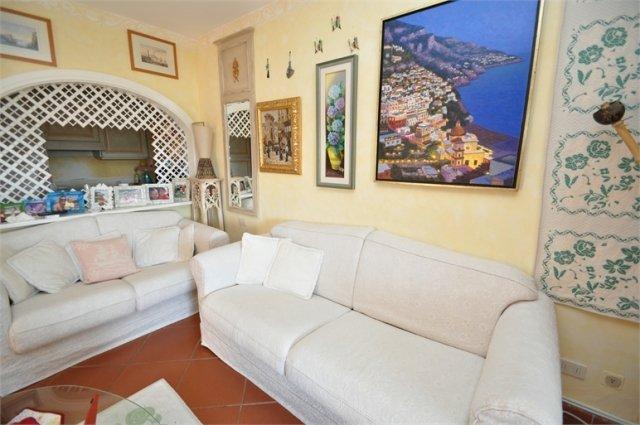 Elegant Apartment for Sale in Cala Del Faro, Near Porto Cervo, North East Sardinia.