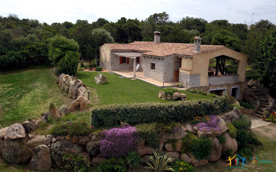 Refined 5 Bed Villa With Sea Views and 1,4 Ha Park Near Porto Cervo North East Sardinia