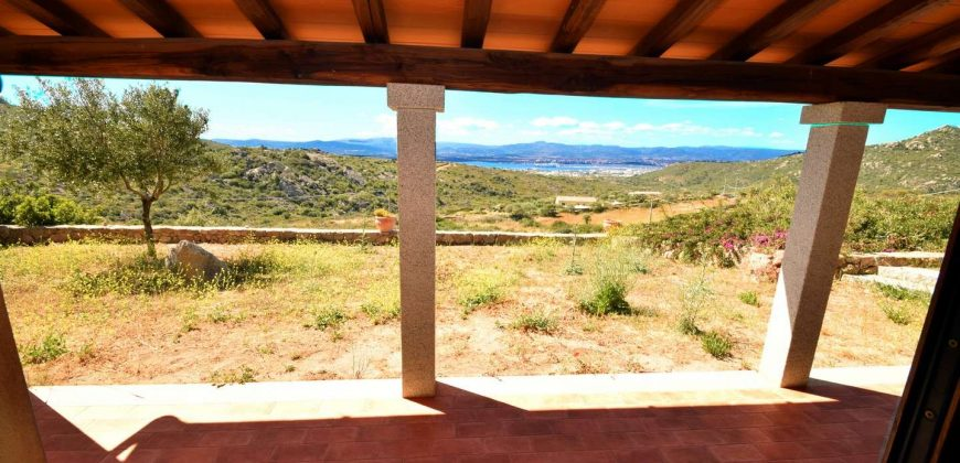 194 M2 Villa and 1.0 Ha Land With Sea Views 7 Km from Pittulongu
