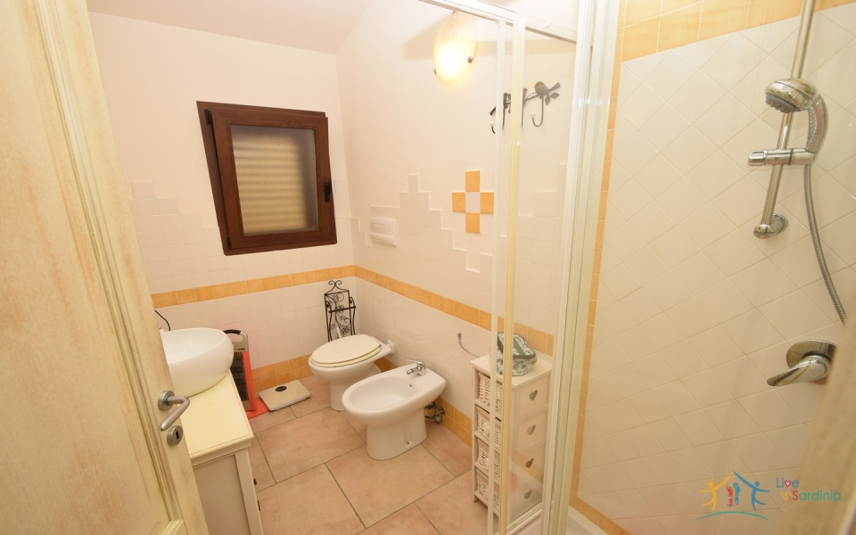 2 BED APARTMENT WITH SEA VIEWS FOR SALE IN THE HAMLET OF SAN GAVINO NEAR BUDONI, NORTH EAST SARDINIA