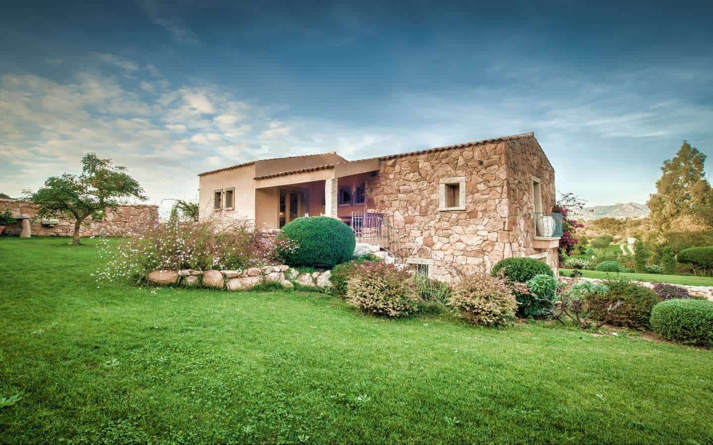 Restored Villa For Sale In San Pantaleo, Costa Smeralda