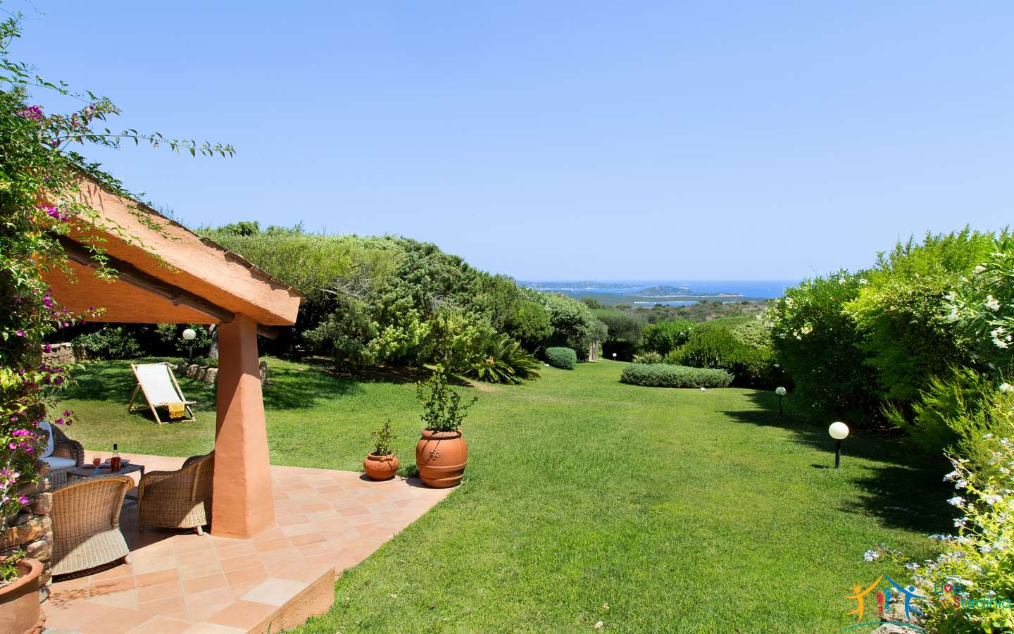Superb Villa for sale San Pantaleo with sea view Ref.Domus