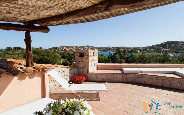 Houses for sale Porto Cervo Sardinia near the beach ref. Sirio