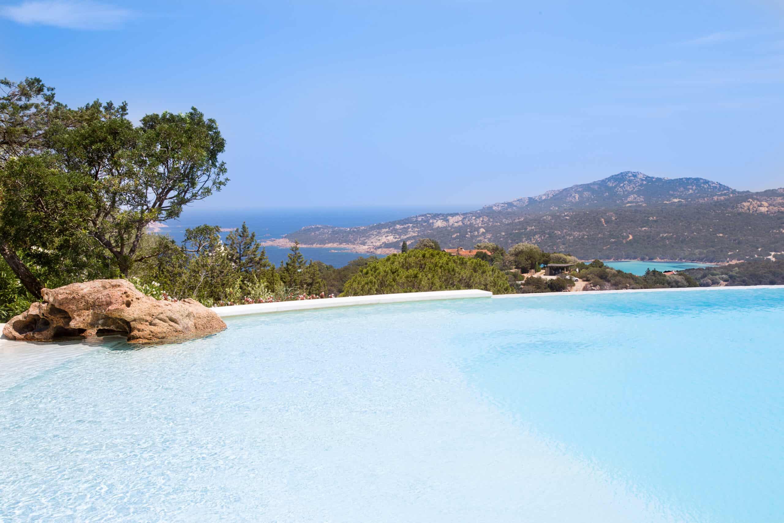 Prestigious Holiday Home For Rent In Porto Cervo rif Villa Pedra
