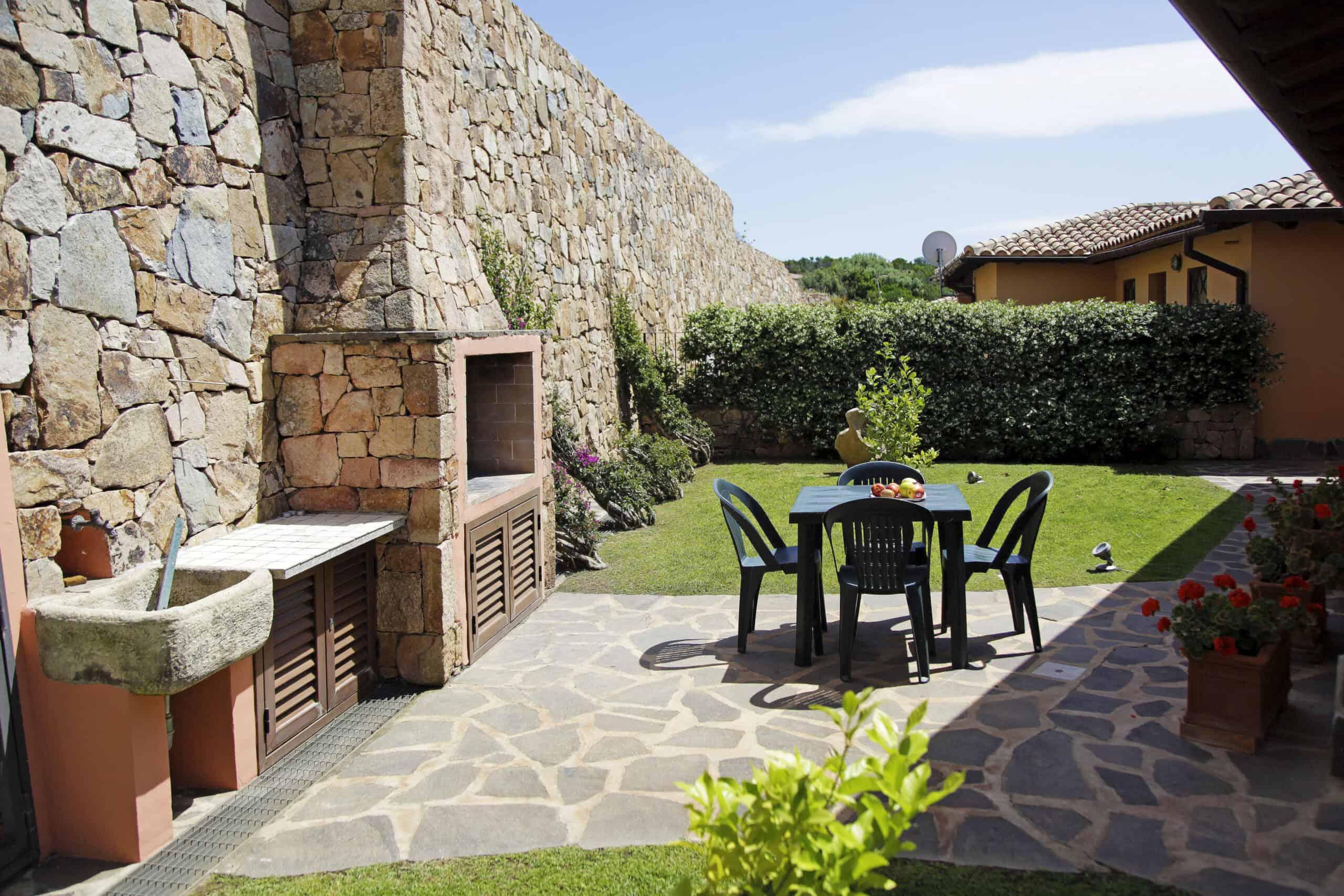 Holiday Villa For Rent In Capo Coda Cavallo Sardinia Ref. Boungaville